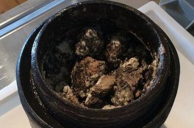 Шведские археологи подняли со дна 340-летний сыр