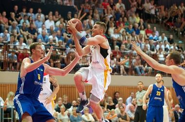 Баскетболисты сборной Украины на выезде обыграли Германию