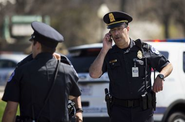 В США неизвестный открыл стрельбу, пострадало много людей