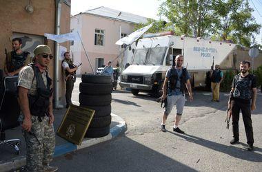 Вооруженные захватчики здания полиции в Ереване сдались властям: арестованы 20 человек