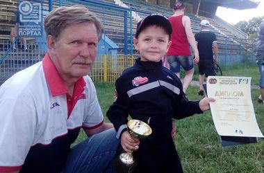 4-летний украинец выиграл автогонки