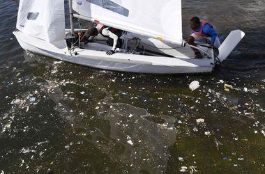 Олимпийцы в Рио тренируются среди мусора