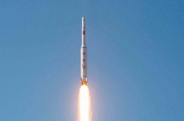 КНДР снова запустила баллистическую ракету