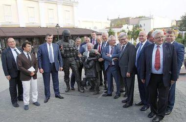 <p>Французская делегация в Крыму. Фото: Facebook</p>
