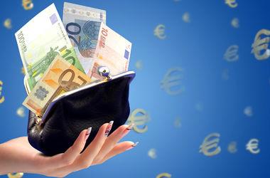 """Доллар и евро """"успокоились"""": курс валют НБУ"""
