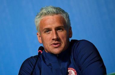 Пятикратный олимпийский чемпион покрасил волосы в серебряный цвет