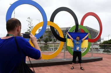 Олимпийский автобус, кольца и смартфон: украинские спортсмены осваиваются в Рио