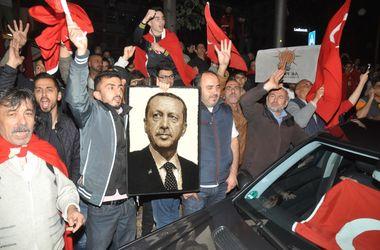 Стало известно, почему путчисты не сбили самолет Эрдогана