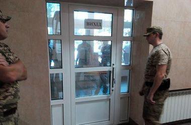 ГПУ с силовиками нагрянули с обыском в НАБУ. Фото: tsn.ua