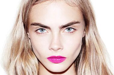 23-летняя модель Кара Делевинь снялась обнаженной для обложки Esquire