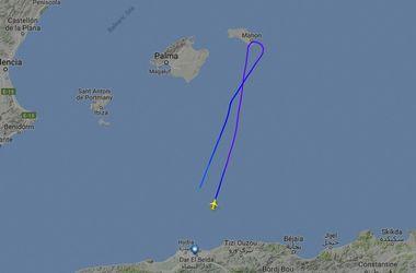 Над Средиземным морем пропал пассажирский самолет