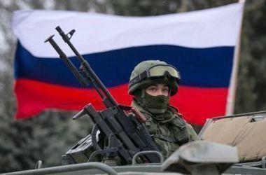 Россия перебросила большие группы военной техники к админгранице в Крыму