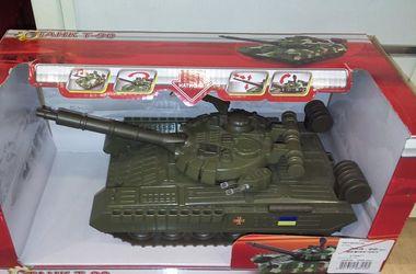 Китайцы создают российские танки с украинской символикой