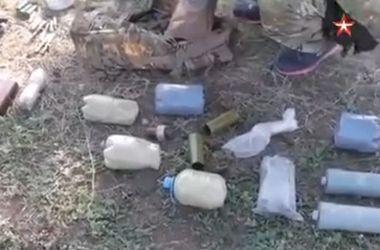 ФСБ РФ показала взрывчатку, изъятую у