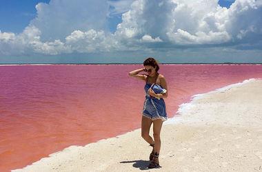 Невероятные фото розовой лагуны в Мексике