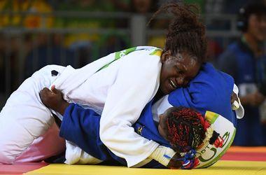 Французская дзюдоистка в финале Олимпиады-2016 победила чемпионку Лондона-2012