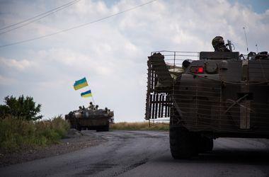 Госпогранслужба: к админгранице с Крымом подтянули тяжелое вооружение