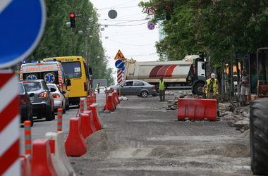 В Киеве ограничат движение авто на 12 улицах (список)