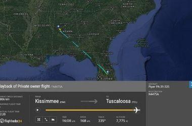 Не менее шести человек погибли в результате крушения самолета в США