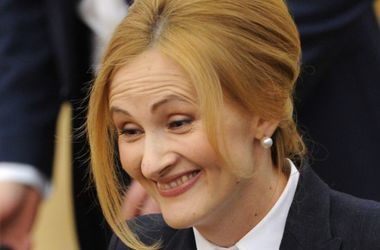 """В России петиция против """"пакета Яровой"""" набрала 100 тысяч голосов"""