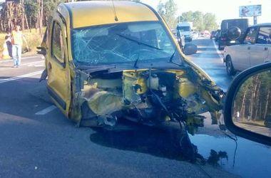 Под Киевом – масштабная авария на пять машин, есть пострадавшие