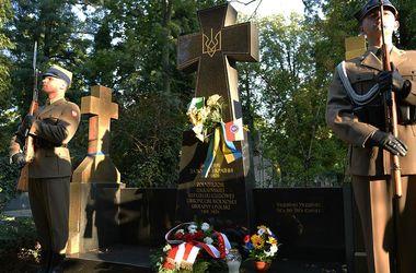 Памятный крест бойцам УНР. Фото: Минобороны Польши