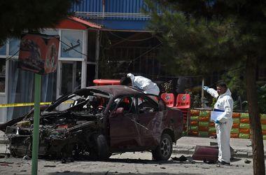 Мощный взрыв у посольства США в Кабуле: появились подробности