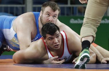 Украинский борец Чернецкий победил египтянина в весовой категории 130 кг