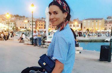 Маша Ефросинина гуляет по Киеву в платье как у Рианны за 37 тысяч гривен (фото)