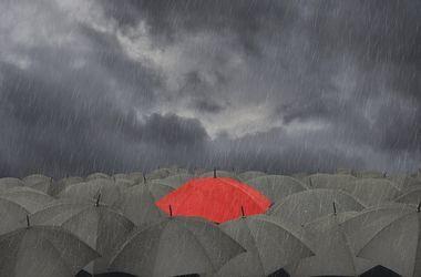 ГСЧС предупреждает, в Украину идут грозы, град и шквальный ветер