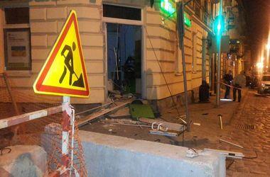 В элитном районе Львова взорвали банкомат