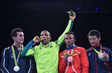"""Робсон Консейсао принес Бразилии первое олимпийское """"золото"""" в боксе"""