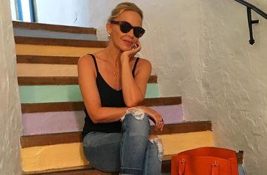 48-летняя Кайли Миноуг ошеломила платьем в дырочку за 100 тысяч гривен (фото)
