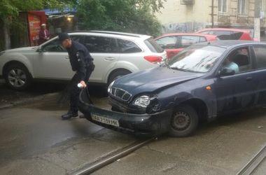 В Киеве ДТП парализовало движение трамваев