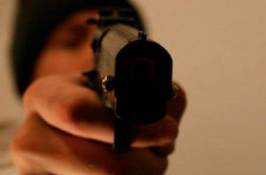 В центре Ровно подстрелили мужчину