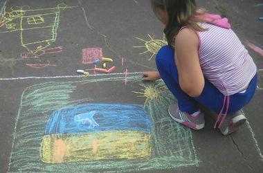 Казус в РФ: партия Путина попросила детей нарисовать пляж и море - что из этого вышло