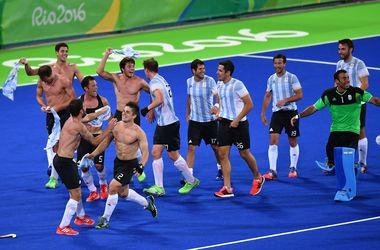 Мужская сборная Аргентины выиграла