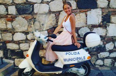 Катя Осадчая в бикини похвасталась отдыхом в Испании