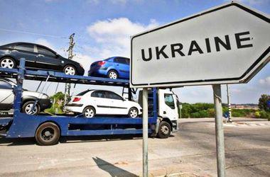 Импорт автомобилей в Украину резко увеличился