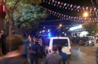 В сети появилось видео с места взрыва на свадьбе в Турции