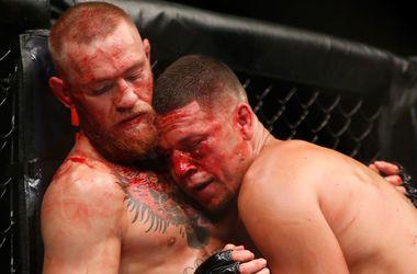Конор Макгрегор и Нейт Диас устроили кровавое побоище в поединке UFC