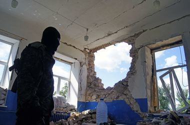 На Донбассе боевики размародерили собственные БТРы