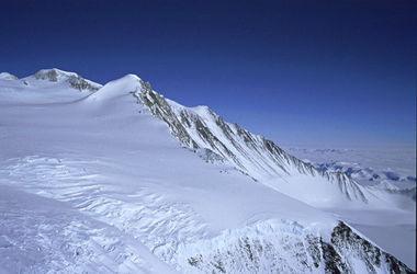 В Антарктиде обнаружили огромную трещину
