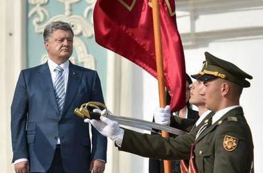 Порошенко: военный парад в Киеве - сигнал России: