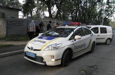 В Киеве грабитель спрятал похищенную золотую цепочку во рту