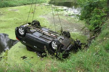 Ужасное ДТП в Харьковской области: пропавших женщин нашли в авто на дне водоема