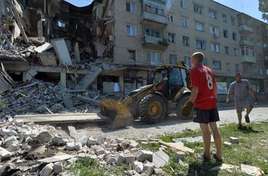Как хотят вернуть мир на Донбассе: план на три года