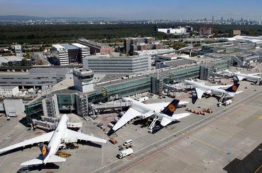 Из аэропорта во Франкфурте срочно эвакуируют людей