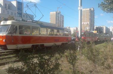 В Киеве останавливались трамваи и троллейбусы