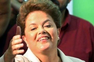 Президенту Бразилии Дилме Русеф объявили импичмент